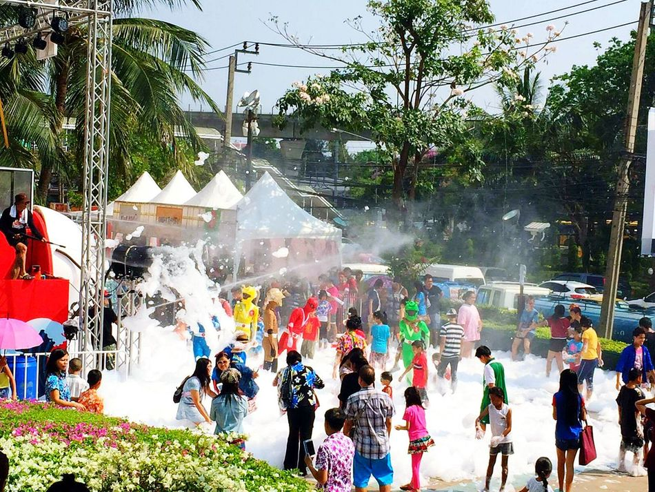 Happy 😄😄😊 Songkarnday Sky Light Summer ☀ Thailand Funny People First Eyeem Photo My Favorite Photo Thai Thailand..