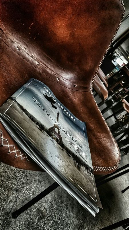 Paper View Magazine Reading Time Reading The News Mypointofview Classy Chair