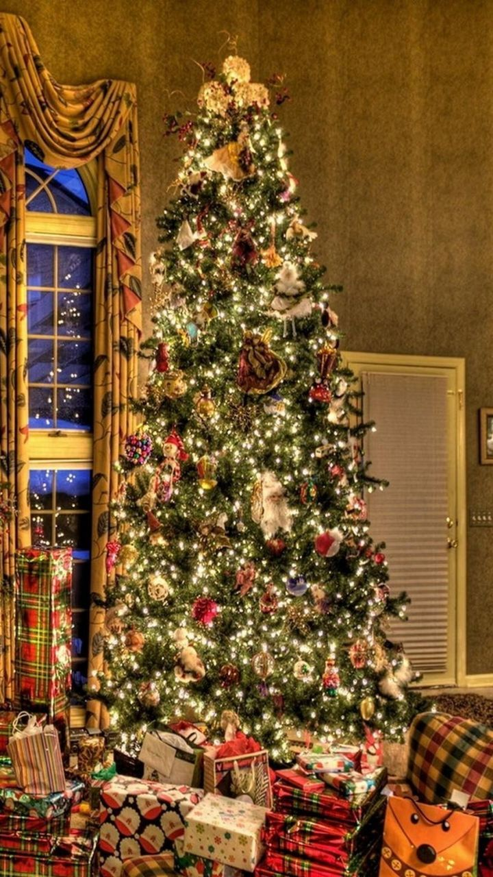 christmas, christmas tree, celebration, tradition, gift, decoration, christmas decoration, cultures, indoors, tree, holiday - event, christmas present, christmas lights, no people, christmas ornament, illuminated, day