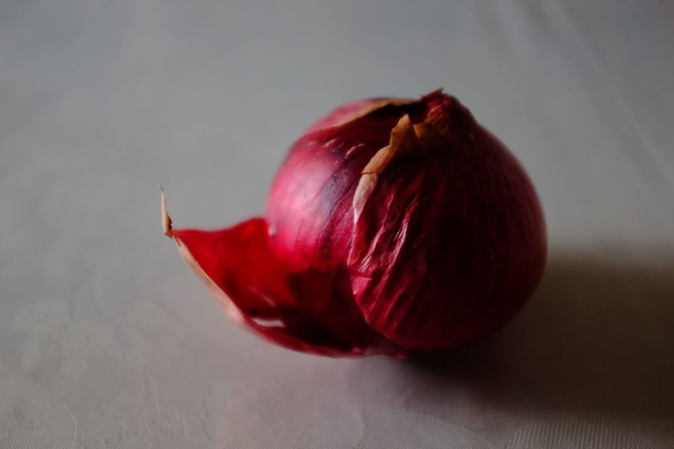Still life Still Life StillLifePhotography Still Life Photography Stillife StillLife Red Onion Red Onion Viola Freshness Close-up Healthy Eating Food No People Food And Drink Red Nature Day Outdoors Cipolla  Rossa Resist