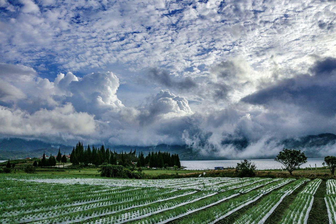Amazing clouds above Danau Diatas... Lake Nature Landscape Sky Photography Wonderfulindonesia
