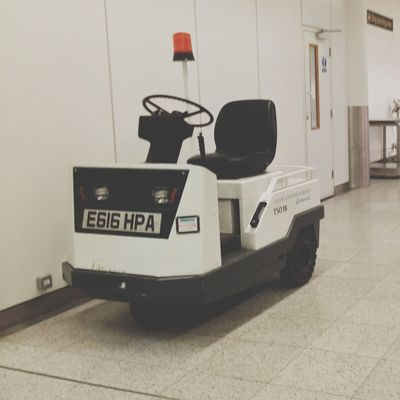 Lolmobile at London Gatwick Airport (LGW) by Tor Rauden