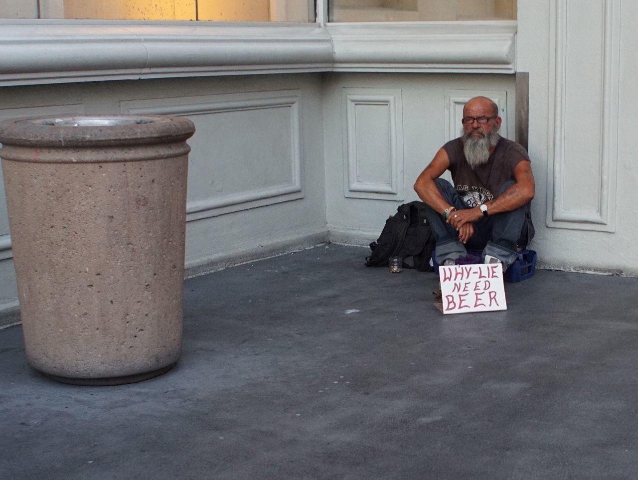 Pixxzo Streetphotography Las Vegas Sony A6000 Sigma Drunk Beer Homeless