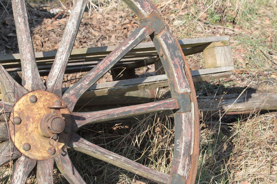 Abandoned Wheel Close Up Abandoned Bad Condition Close-up Damaged Old-fashioned Pallet Wagon Wheel Wheel Wood - Material