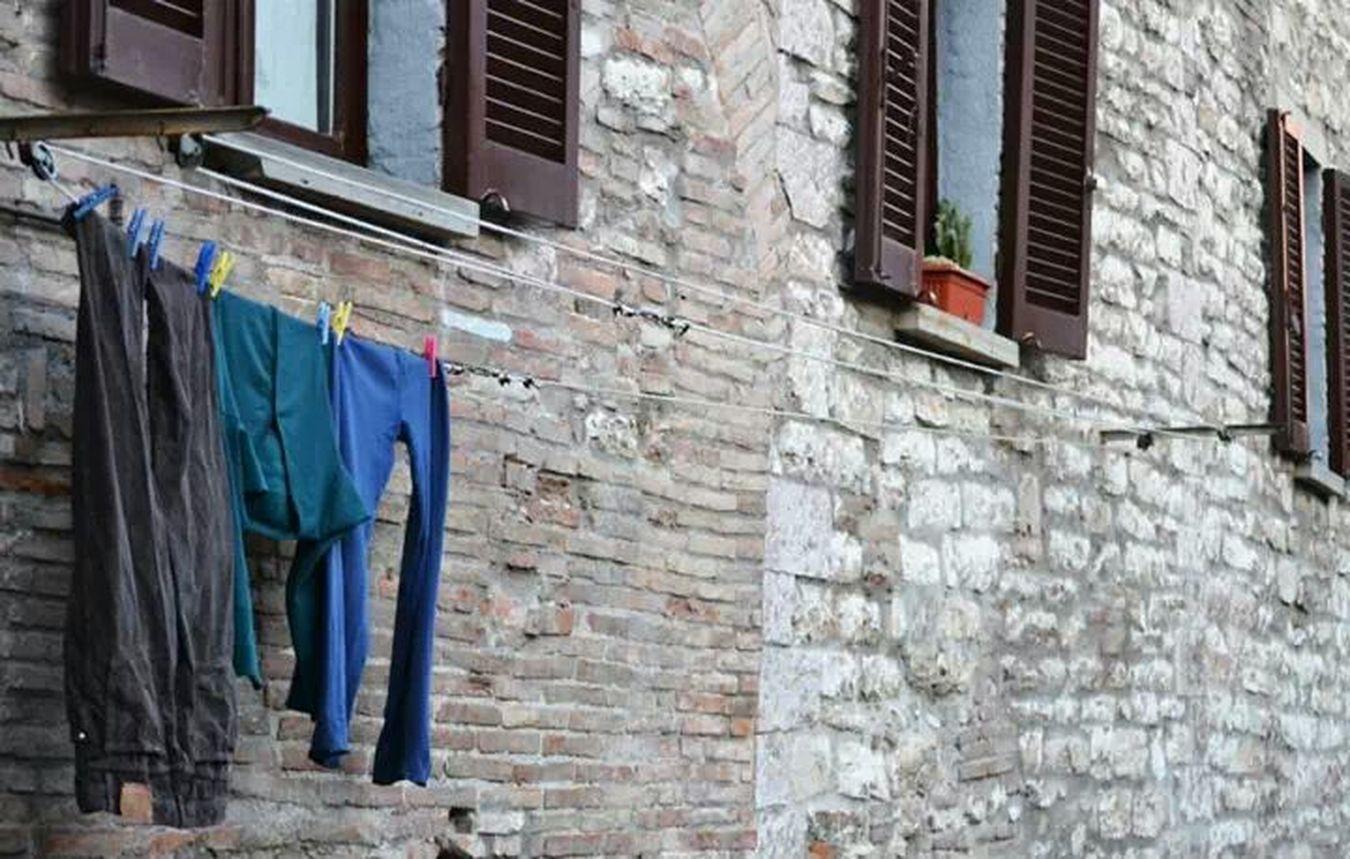 Come panni stesi al sole Streetphotography Taking Photos Umbria Visitgubbio