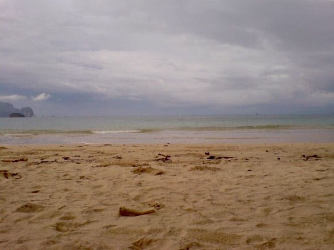sea, beach, cloud - sky, sky, no people, nature, water, horizon over water, outdoors, tranquility, day, sand, scenics, beauty in nature, animal themes