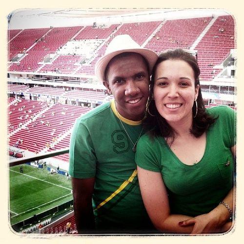 Presentes de Deus... ao lado do meu amor @giselepirescn para ver a seleção. Conviv ência Futebol Brazil