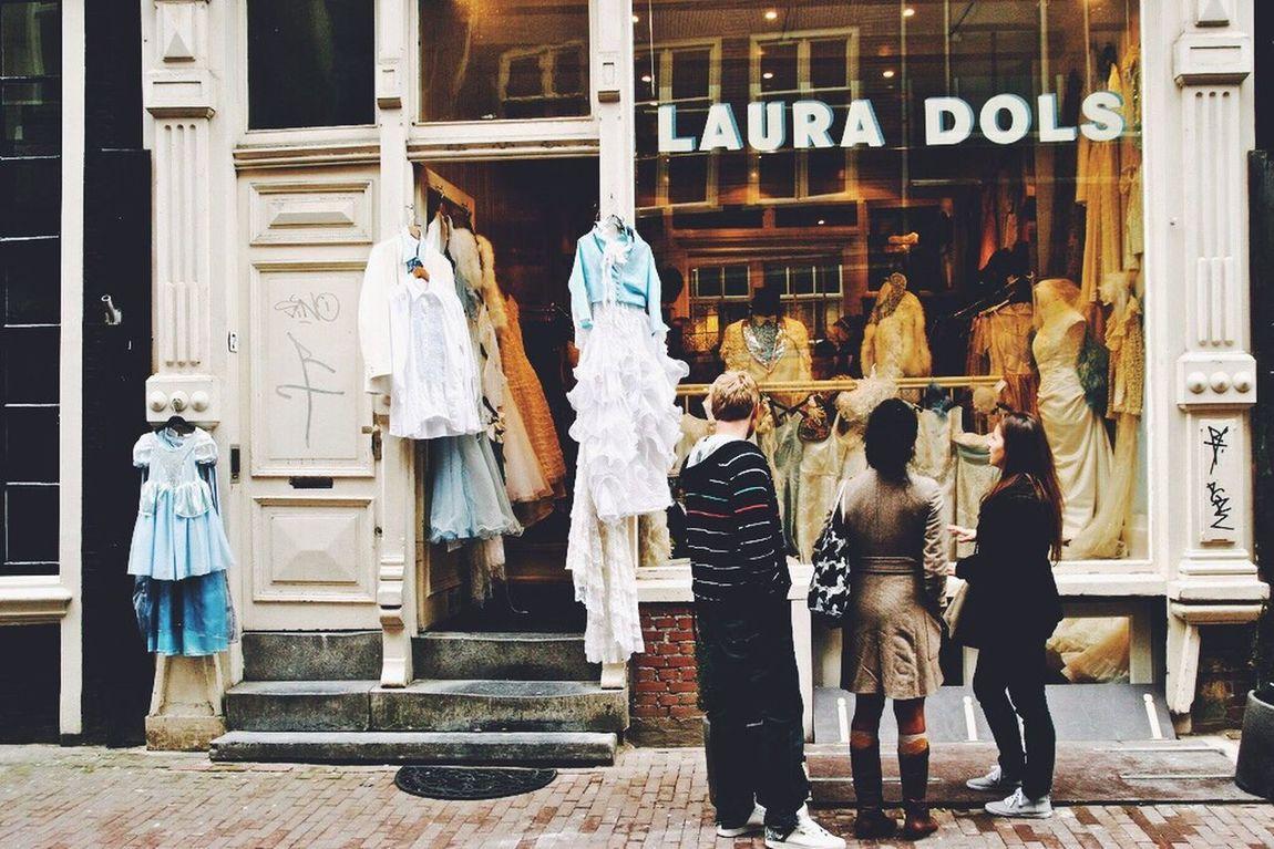 Snap A Stranger Laura Dols Lauradols Amsterdam Amsterdamcity Dutch Holland Real People Fashion Window Window Shopping...