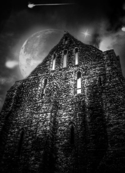 Moonlight Effects & Filters Blackandwhite Black And White Black & White Blackandwhite Photography Black&white Black And White Photography Blackandwhitephotography Englishheritage Ruins Battle Abbey History Historical Building