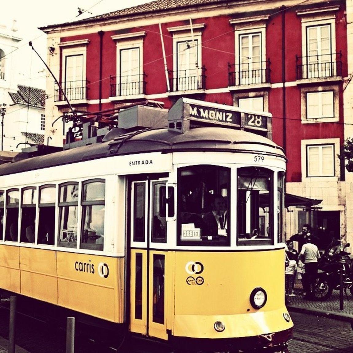 a graça que o elétrico da graça tem the grace that has the tram to grace Graça Elétrico 28 Carris Portadosol Lisboaantiga Castelo Lisboa Alfama Grace Tram Lisbon Classico Classic