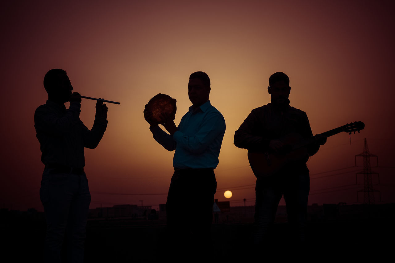 Beautiful stock photos of gitarre, Arts Culture And Entertainment, Clear Sky, Enjoyment, Friendship