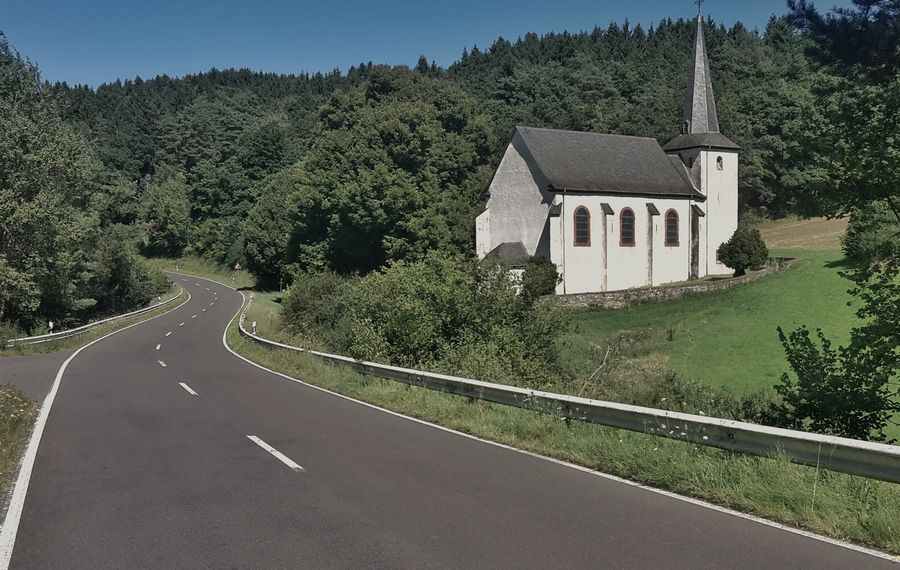 A Roadtrip through Germany brings you something Sweet around every corner. Like this little Church in the Hunsrück