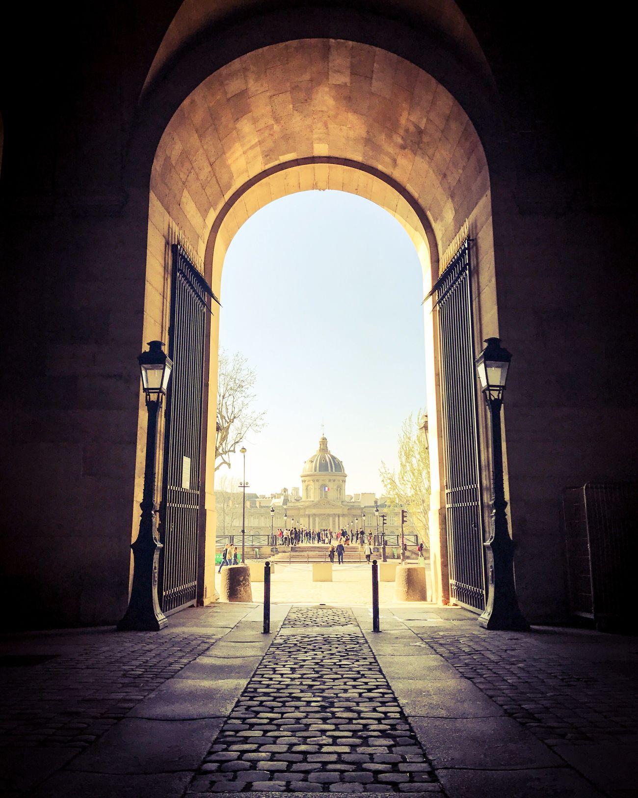 Bonsoir Paris! Good Evening Paris Architecture Paris ❤ Eyem Best Shot - Architecture Photooftheday Paris EyeEm Best Shots Parisweloveyou Musée Du Louvre
