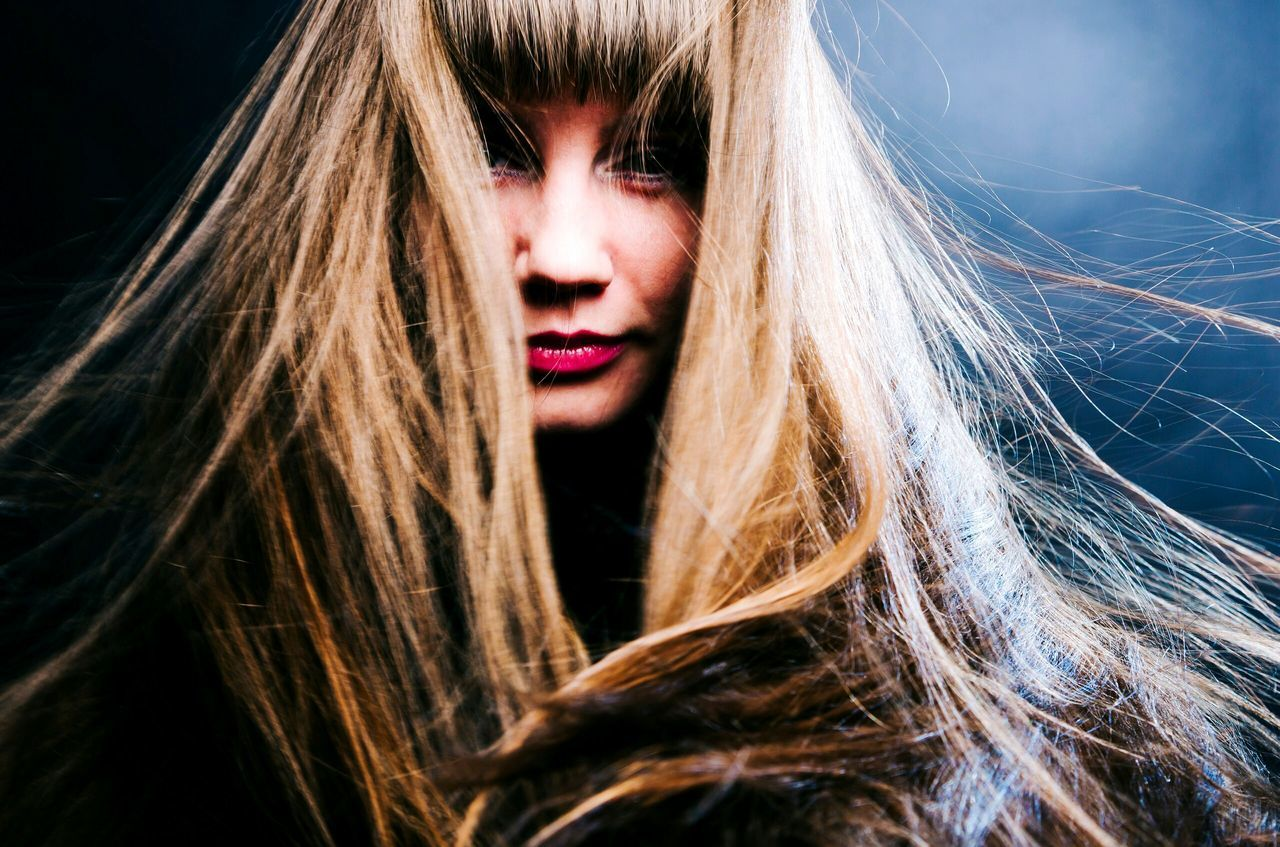 long hair, one person, headshot, young adult, beautiful woman, young women, blond hair, night, close-up, portrait, beauty, real people, outdoors, nature, people