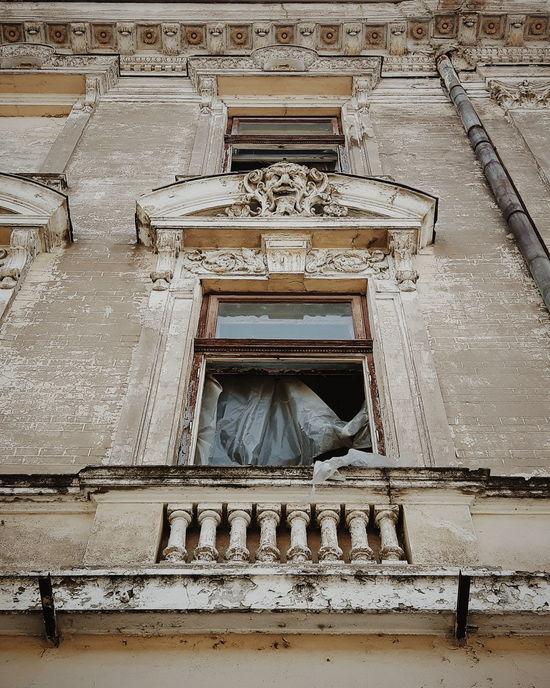 Window Detail Architecture Braila Romania Hotel Ruin Dramatic Angles Ruins Hotel Old Buildings Embrace Urban Life Exploring Style The Street Photographer - 2017 EyeEm Awards The Architect - 2017 EyeEm Awards