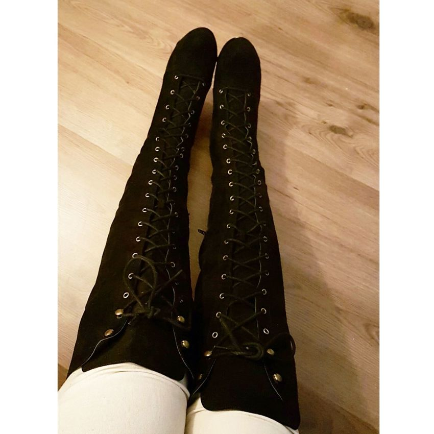 Lace up boots kind of day KneeHighBoots Kink LaceUp Longboots Heelsobsession Sexygirl