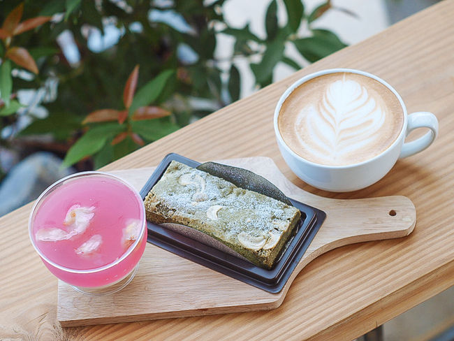 Coffee And Sweets Latte Greentea Brownie Lychee Pannacotta Dessert