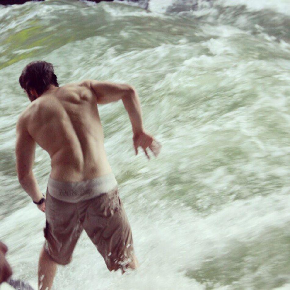 Surfs up! #muenchen #eisbach #summer #englischergarten #munich #men #greatbod #igdaily #surfing Greatbod Summer Men Surfing Munich IGDaily Muenchen Eisbach Englischergarten