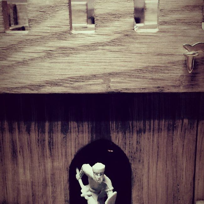 Carpentry Interiordecor Gameofthrones CastleBlack giftsformen architecture bespoke warhammer heirloom americanoak dollhouses tudor twelfthscale knights smallscalemagic spellboundarts soldiers commission exhibitions collectors sonabeam