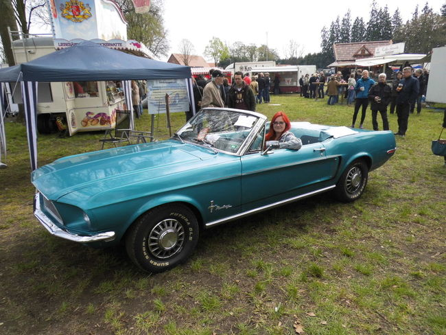 Oldtimers on 1th of May Back To The Future Best Day Of My Life Breit Bridge Camera Buick Chevrolet De Lorean Ford Ford Mustang Hover Board May Medion Musclecar Mustang Old Cars Oldtimer Photography