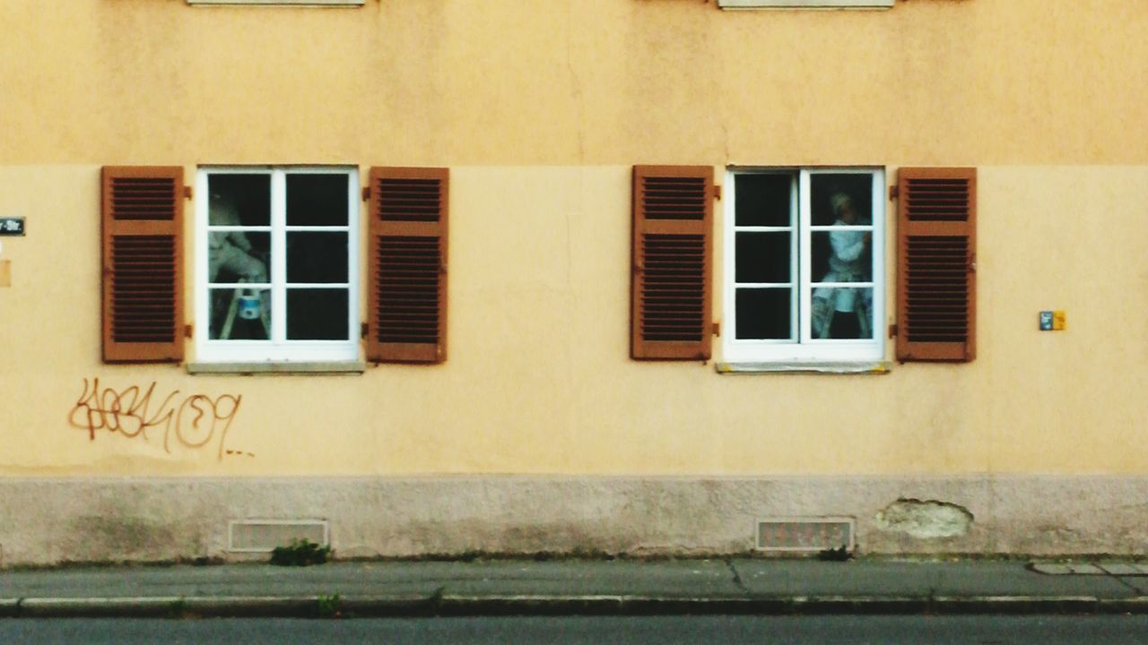 window, building exterior, architecture, built structure, house, no people, day, residential building, outdoors, window box, city
