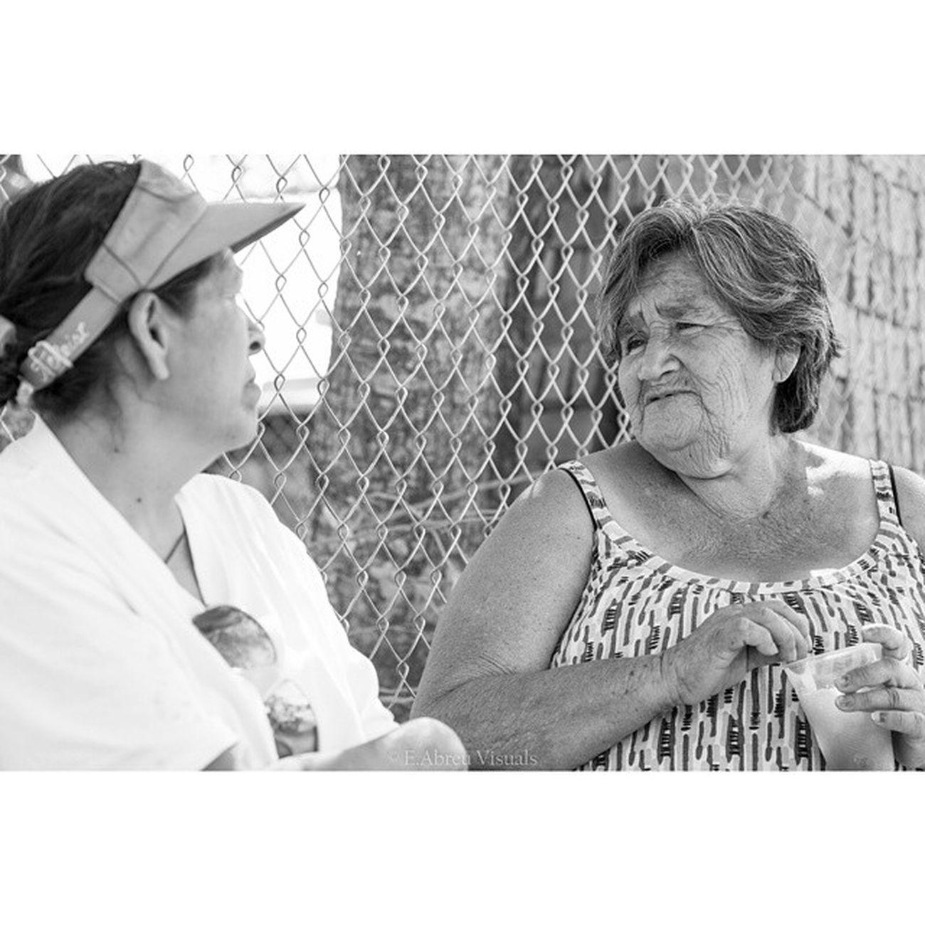 Conversación en la esquina. Conversation in the corner. Mexico Eabreumexico Jalisco Residency chapala photography artist mexico2014 women portraits portrait ladies