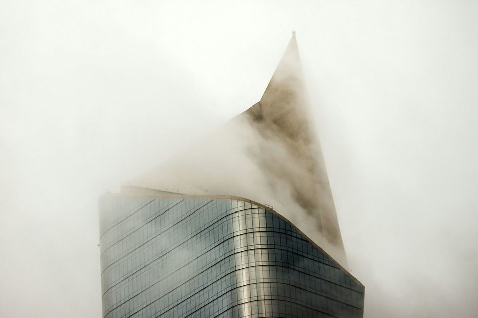 Growing Better Architecture Kuwait Kuwait City Skyscrapers Clouds White Fog Foggy كويت AlHamra Tower's concrete tip cutting throw fog'n'clouds!