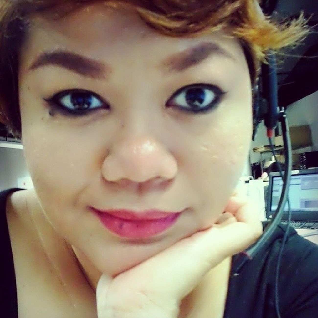 Hmmm... working on Good Friday.. Happy hols all! Workingonapublicholiday Selfie Longweekend