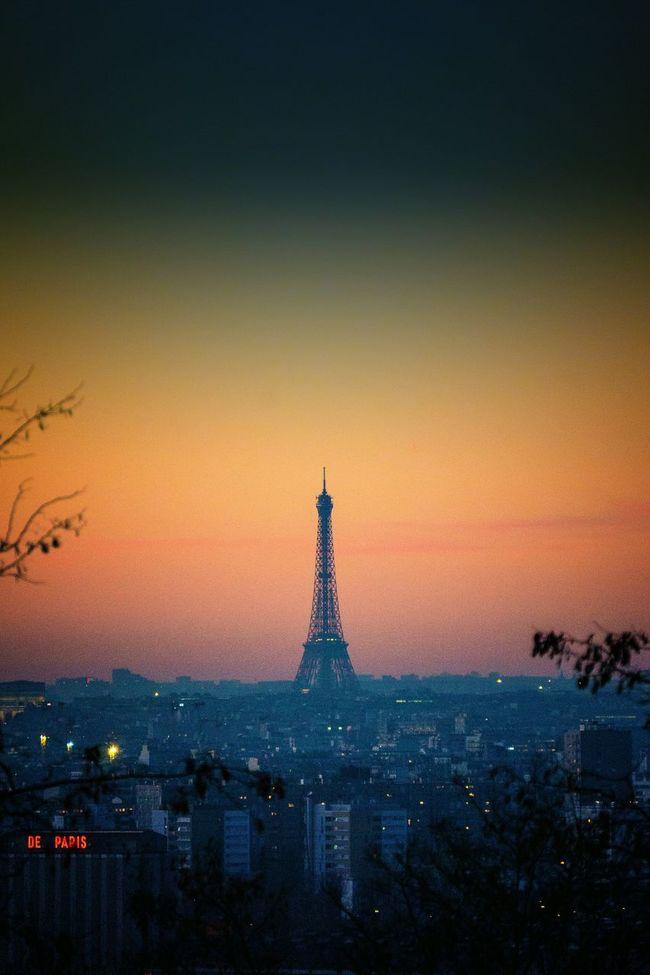 De Paris... Hello World Tour Eiffel Paris ❤ Eyeem France Paris, France  Orange Color Authentic Moments EyeEm Best Shots Winter Light Eye4photography