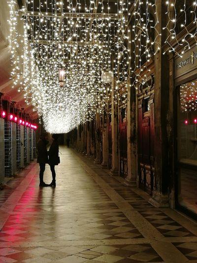 RomanceinVenice People Walking Lovers Loveisintheair Loveinvenice Illuminated