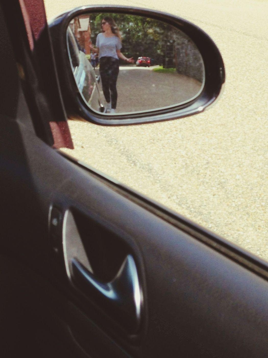 Taking Photos On-Location Reflection Mirror