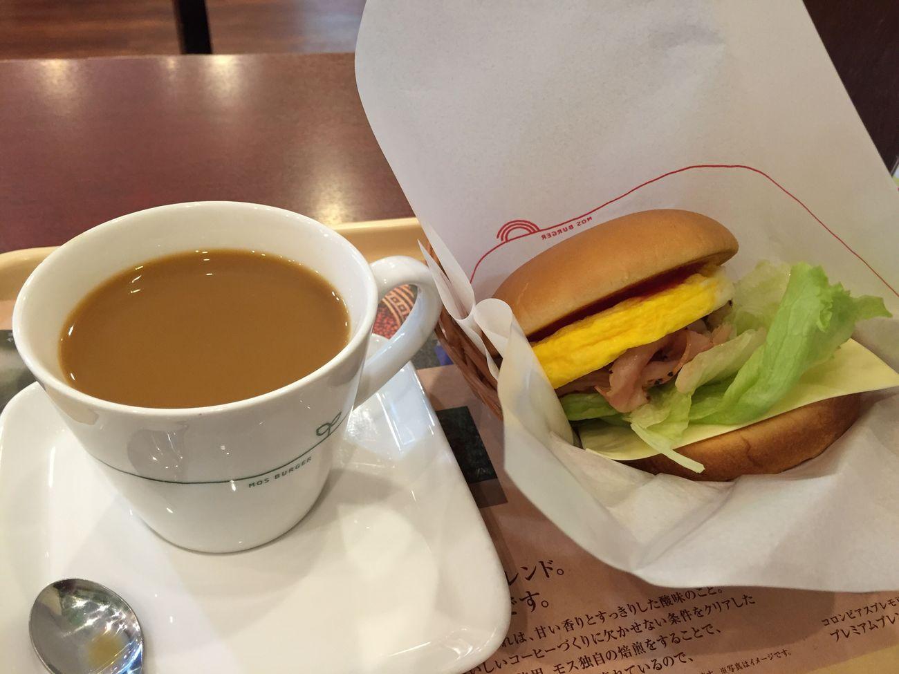 ブレンドコーヒーとベーコンエッグチーズ