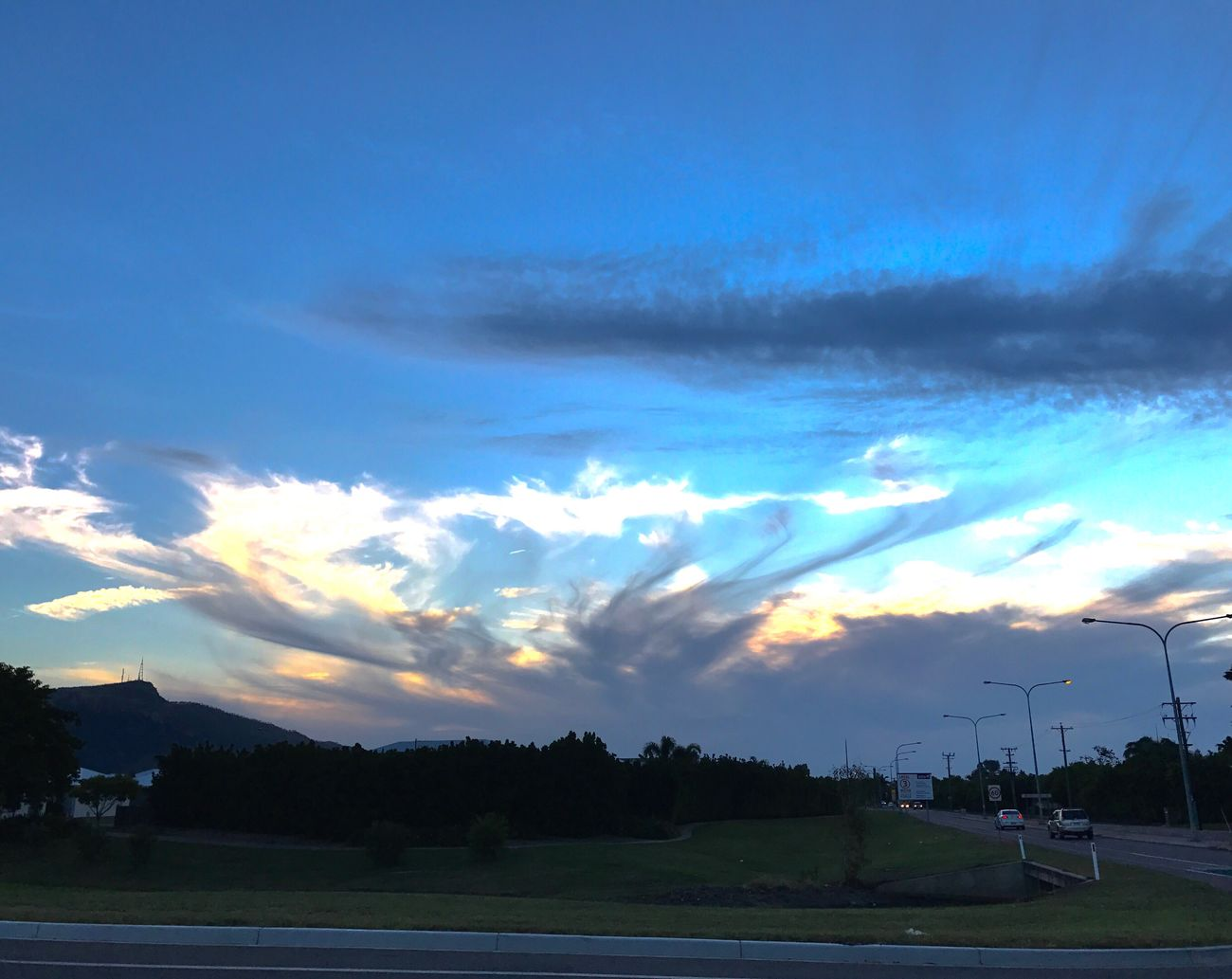 The clouds looked so cool that day ⛅️ Nature Sky Cloud - Sky Tree