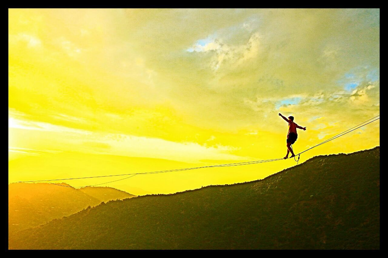 43 Golden Moments Slackline, Highline, Caminando hacia la felicidad. Slackline Slacklife Highline Caminando Hacia La Felicidad Longline NicoAi Bosque Magico Slaker Slackvida Colour Of Life The Color Of Sport