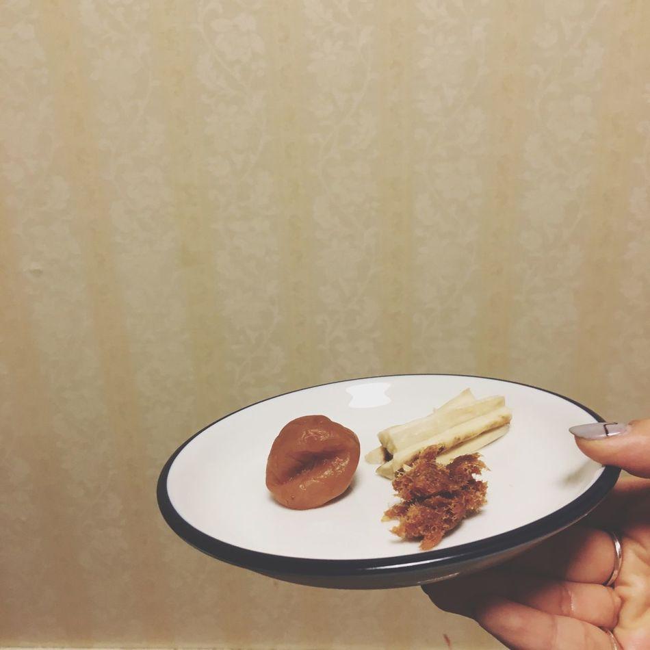 梅干し 鰹みりん ごぼうピクルス Yammy!!  Happyfood Cooking ごぼうピクルスだけ作った☺︎うまいー