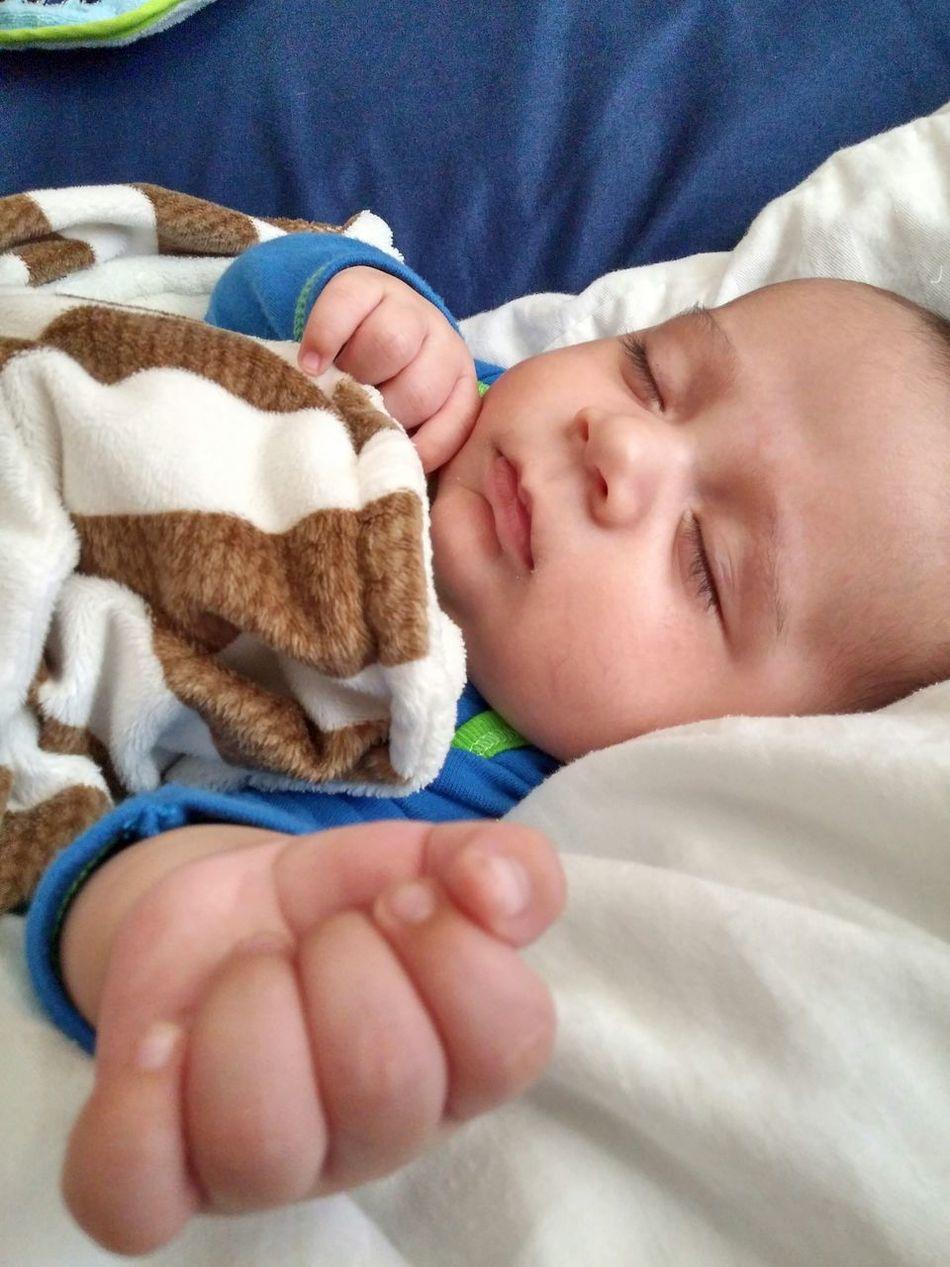 Nap time.. Sleepyhead Lil Man Zzzz... Hermoso Hijo Bebe Baby Dormiendo Descanso😴