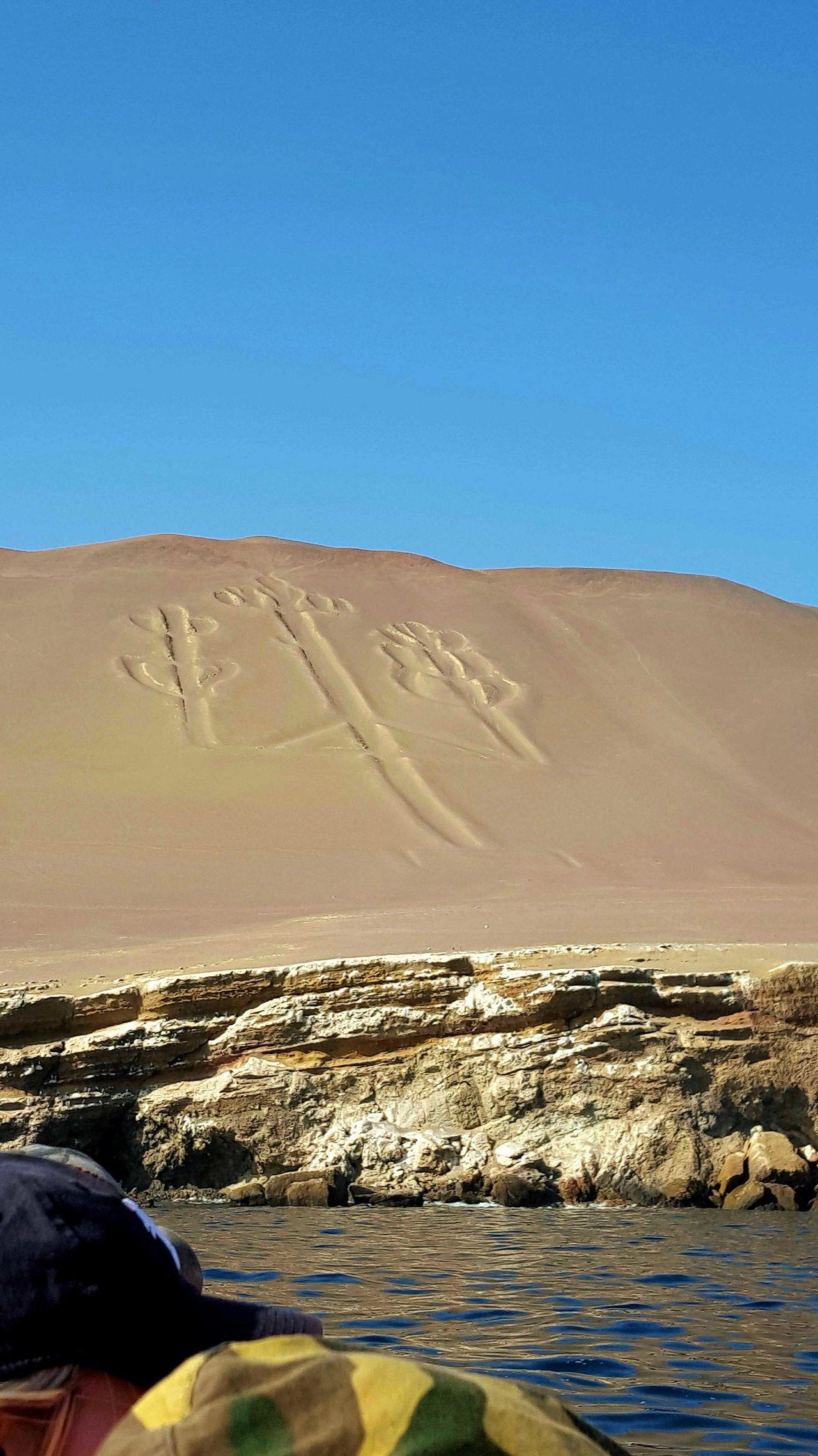 Candelabro Sand Dune Clear Sky The Chandelier Paracas-Ica Culture