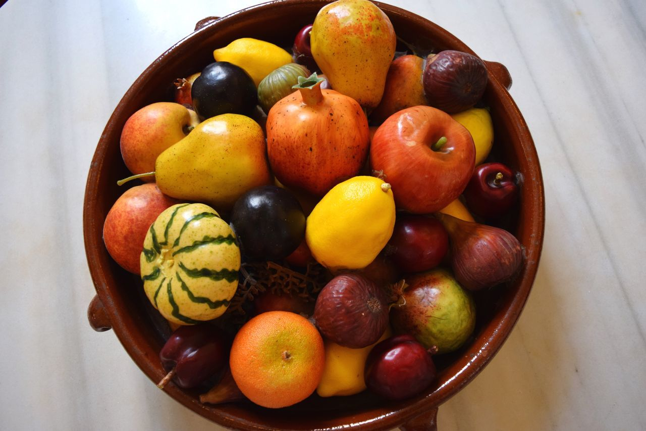 Fruit Fruits Healthy Eating Food Food And Drink High Angle View Table Indoors  Freshness No People Bowl Close-up Indoors  Home Interior Home Decor Colorful Variation Vegetable Healthy Lifestyle Yellow Orange