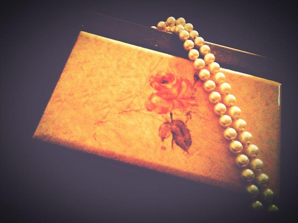 Vintage Jewellery Box White Pearls