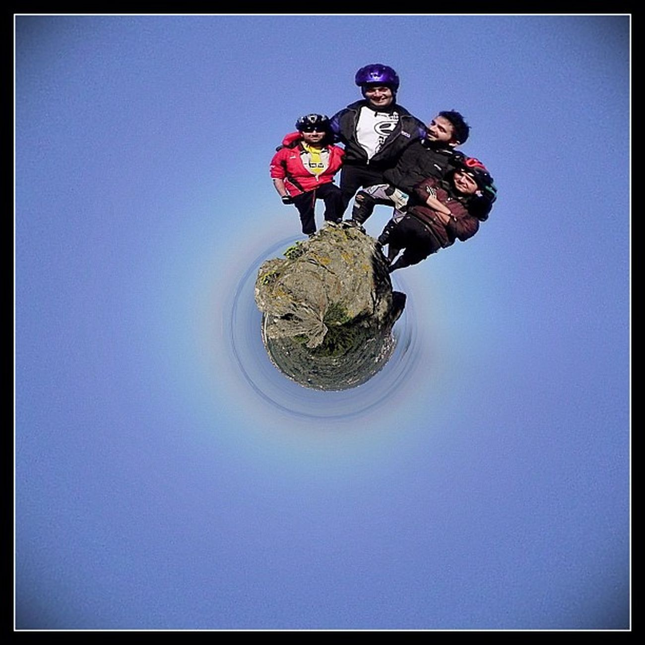Our planet! Friends IPhone IPhoneography Greece Photooftheday MTB Igers Photoday Tinyplanet Editoftheday Ubiquography Instalovers_gr