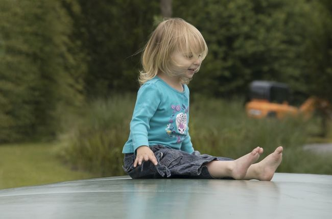 Blond Hair Casual Clothing Child Day Focus On Foreground Girl Lifestyles Outdoors Person Playground Portrait Relaxation kids Selective Focus Children Photography Kids Kidsphotography kids Kids Having Fun Kids Playing Kids Will Be Kids Kids Photography Kinder Kinderfotografie