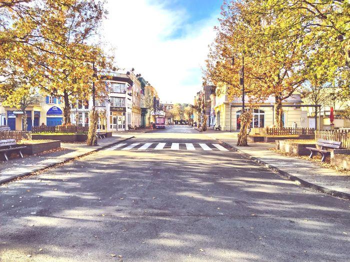 Movie Park Germany Autumn Colors Autumn Autumn Leaves Hollywood Theme Park Filmset Mainstreet Streetphotography Street Photography