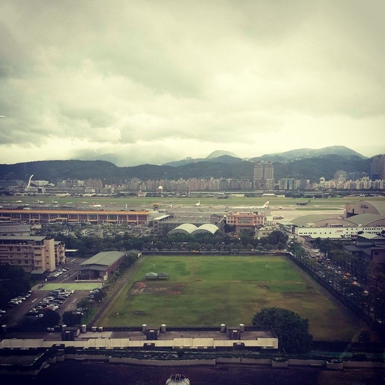 坐看飛機起降時✈✈✈ 松山機場 飛機 Air Plant