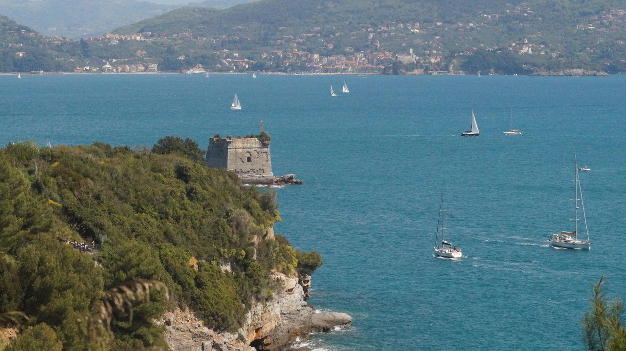 Architecture Beauty In Nature Built Structure Focus On Foreground La Spezia Mare Palmaria School Scuola Sea Spezia Torre Torre Scuola Tower