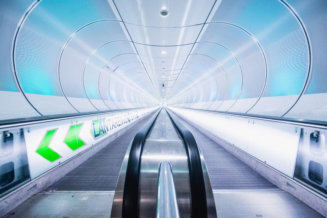Metro Metro Station Kop Van Zuid Rotterdam Wilhelminapier