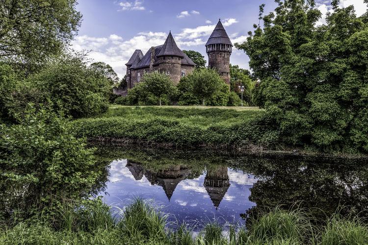 Burg Linn Castle Gelderland Germany Photos Krefeld Reflection Tranquility Blue Sky Moat Spring Water Westphalia