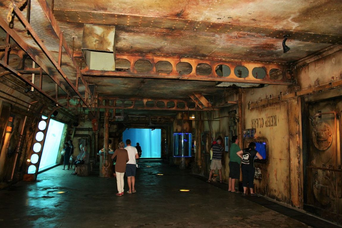 Akwarium Built Structure Corridor Inside Interior Old Ship Ship At Dock The Past