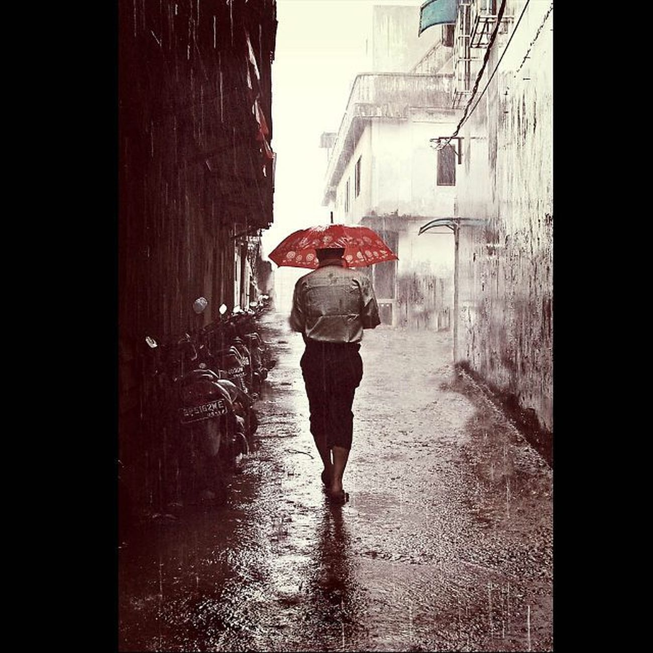 """The Rainy Day"".......@streetlife_award StreetLife_Award SreetLife_VM Viewerscorner Godiscover People Portraiturephotography Wonderfullkepri Wonderfulindonesia Pewartafotoindonesia Indonesiajuara Bestpartofindonesia IndonesiaOnly Indonesia_photography Photooftheday Thephotosociety Streetphotography Streetphotographer Mirrorless Mirrorlesscamera CSC OlympusPEN EPL1 Getolympus"