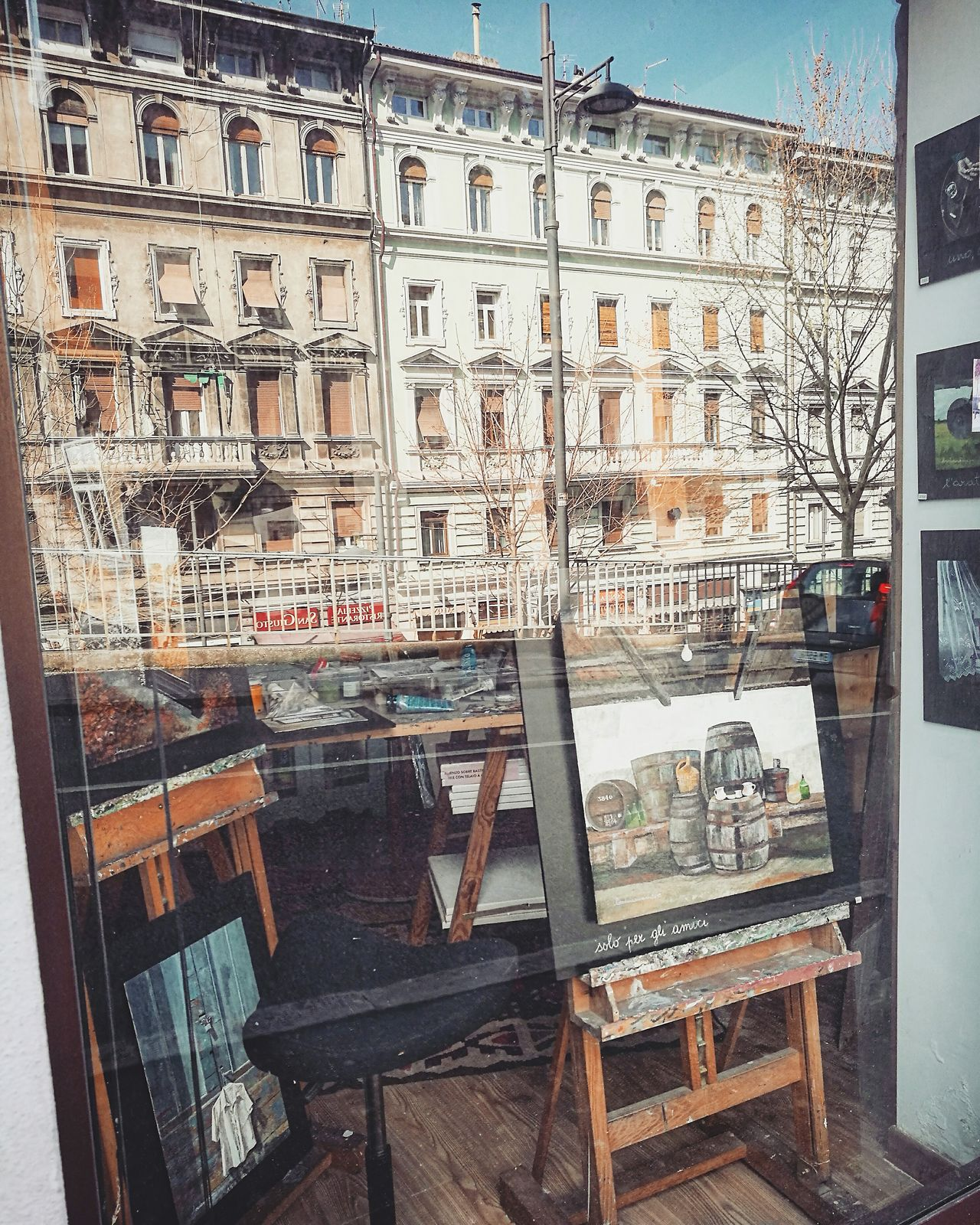 Window No People Indoors  Architecture Day Italy Lifestyles Streetphoto Street Life Cute Streetphotography Life Freshness Beautiful Gallery Painting Paintbrush Artist Art Gallery City