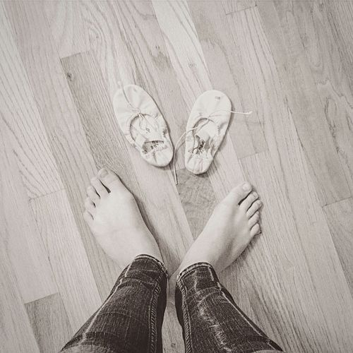 Feet pictures are something I think tells a whole story. Where are you at? What's the purpose of being there? Do you like it there? How are you feeling? What type of clothes do you like? My Feet Feet Story